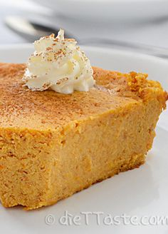 This healthy Crustless Pumpkin Pie is the perfect dessert choice!