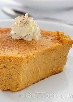This healthy Crustless Pumpkin Pie is the perfect dessert choice! |diettaste.com