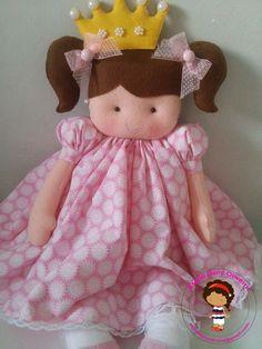 Boneca Princesa em Feltro ateliedanyoliveira@gmail.com