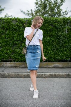 darya kamalova thecablook fashion blogger streetstyle louis vuitton lv palm springs backpack with nike air max trainers italy-10