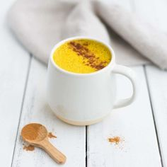 Say goodbye to coffee, and hello to turmeric lattes! They're warming and nourishing, not to mention packed with antioxidants!Turmeric is rock star ingredient and, along with the ginger and cinnamon, … Yummy Drinks, Healthy Drinks, Healthy Snacks, Healthy Recipes, Pie Recipes, Sweet Recipes, Recipies, Healthy Eating, Tumeric Latte