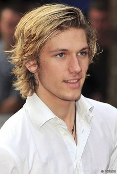 I vote Alex Pettyfer gets cast as Finnick #Hunger Games