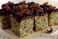 Poppy Seeds and Chocolate Cake/Prajitura cu mac si ciocolata Romanian Desserts, Romanian Food, Cake Recipes, Dessert Recipes, Pastry Cake, Dessert Drinks, Eat Dessert First, How Sweet Eats, Sweet Desserts