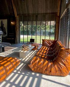 Interior Exterior, Home Interior Design, Interior Architecture, Togo Sofa, Dream Home Design, House Design, Decoration Chic, Ligne Roset, Aesthetic Rooms