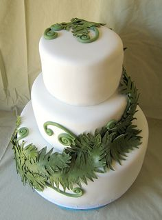 How do you like the fondant and the fern together on this one?