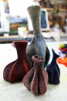 Felt objects take on unique personalities in the artistry of Linda Van Alstyne, a self-taught fabric sculptor who loves to experiment — and who loves color. Nuno Felting, Needle Felting, Felt House, Felt Pictures, Textile Fiber Art, Book Sculpture, Wool Art, Felt Decorations, Felt Hearts