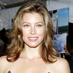 Jessica Biel makes loose layers look SUPER sexy. Click through to see more stars rocking this season's hottest hairstyles: http://www.womenshealthmag.com/beauty/celebrity-haircuts?cm_mmc=Pinterest-_-womenshealth-_-content-beauty-_-celebritieswithfreshhairstyles