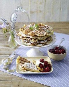 Sauerrahm-Waffeln mit Kirschkompott Rezept - Chefkoch-Rezepte auf LECKER.de | Kochen, Backen und schnelle Gerichte