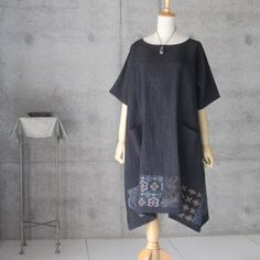 Upcycled Textiles, Womens Linen Clothing, Kimono Fashion, Indigo, How To Make, How To Wear, Short Sleeve Dresses, Tunic, Style Inspiration