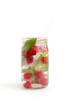 Raspberry Mint Infused Water - Get in your daily water quota with this Fruit-Infused Water - 6 ways! From berries, to citrus, to cucumber and herbs, we've got you covered for refreshing drink recipes all summer long!