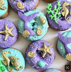 Its shape is very beautiful and you want to eat it. I love the horseradish and the star Mini Donuts, Cute Donuts, Donuts Donuts, Fancy Donuts, Dessert Design, Mermaid Theme Birthday, Little Mermaid Birthday, Donut Decorations, Little Mermaid Parties