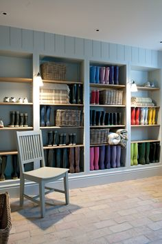 Cotswold Manor House boot room perfection - as if this would stay like this !!