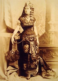 Egyptian Victoriana - I am so going to do this!