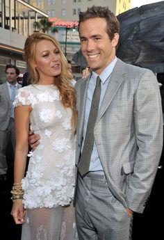Pin for Later: Blake Lively und Ryan Reynolds heißen ihr erstes Kind willkommen! Doch Blake blinzelt ganz verliebt zurück