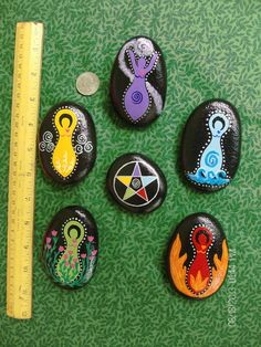 Magickal Ritual Sacred Tools: 5 Goddess Elemental Stones with Corresponding Elemental Pentacle. Could be made of clay using plastic eggs for molds, then painted. Pentacle, Wiccan Crafts, Wiccan Decor, Wicca Witchcraft, Magick, Arts And Crafts, Diy Crafts, Stone Painting, Rock Painting