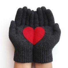 Heart Gloves Dark Gray Red
