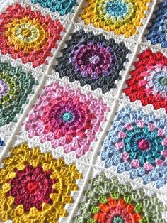 Annies Place: Happy Flower Block Tutorial You'd have to be happy with this in the house!