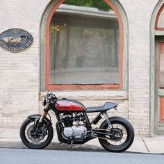Cognito Moto Custom CB550 Cafe Racer - this is COOL