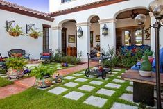 Spanish Colonial With Central Courtyard - 82009KA thumb - 08