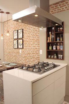 O agregador fogão de ilha !!!: Cozinhas  por Fernanda Moreira - DESIGN DE INTERIORES