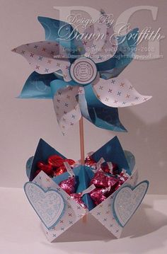 Candy_center_piece_with_windmill