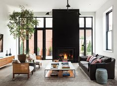 Discover House & Home design editors' best decorating advice for kitchens, bathrooms, living rooms, bedrooms, basements and more. Cozy Living Rooms, Home Living Room, Living Room Designs, Living Spaces, Living Area, Interior Design Blogs, Foyers, Salons Cosy, Black Fireplace