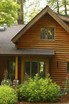 If you want the look of a log home without all the wood on the interior or the expense of full logs, log siding offers an equally attractive alternative. When installed on a conventionally built home, log siding can add somewhat to its energy efficiency. Log Cabin Home Kits, Log Home Living, Log Cabin Homes, Log Cabins, Modern Wooden House, Wooden House Design, Wooden Houses, Building A Wooden House, Log Homes Exterior