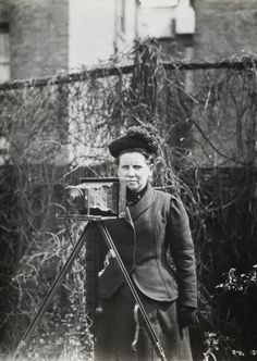 Christina Broom, photographer who documented the suffragettes. Large scale retrospective planned at the Museum of London in Autumn 2015.
