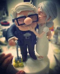 Best wedding cake topper hands down! Love Cartoon Couple, Cute Couple Art, Anime Love Couple, Disney Up, Disney Love, Cartoon Pics, Cute Cartoon Wallpapers, Up Carl And Ellie, Up Pixar