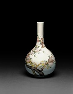 Vase with Decoration of Birds and Blossoming Plum Branches, porcelain, China 1830 #Chineseart #Ceramics #KnowtheCrow #Crowcollection