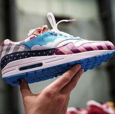 Nike Air Max 1 X Piet Parra Friends & Family The best sneaker release this year? Best Sneakers, Air Max Sneakers, Sneakers Fashion, Sneakers Nike, Air Max 1, Nike Air Max, Air Force, Sneaker Trend, Sneaker Release