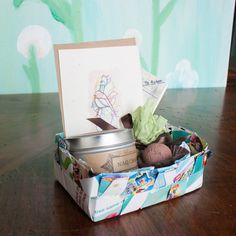 DIY: Woven Paper Gift Basket | http://adventures-in-making.com/diy-woven-paper-gift-basket/ #recycled #tutorial #craft
