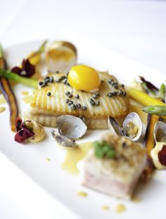 Go to the Carlyon Bay Hotel to try out there amazing food! Cornwall Hotels, Fine Dining, Delicious Food, How To Memorize Things, Presentation, Meals, Weddings, Star, Amazing