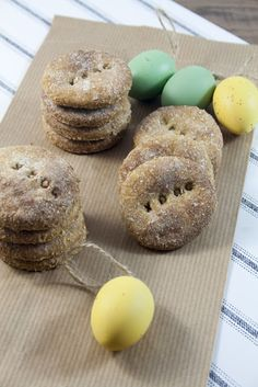 Biscotti per cani alle mele / Apple cookies for dogs (Breakfast at Tiffany's) Easy Dog Treat Recipes, Dog Food Recipes, Dog Vegetables, Dog Cookies, Apple Cookies, Dog Biscuit Recipes, Dog Diet, Breakfast At Tiffanys, Dog Biscuits