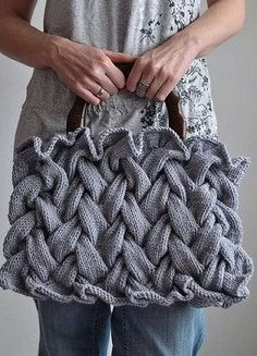 There are so many beautiful knitted and crochet handbags in the high-fashion world. Purses, sachels, hobo bags, totes, you name it. Fashionable Knit Purse - Knitting is Awesome not crochet but i love this§ Showing the awesomeness of knitting through pict Hand Knitting, Knitting Patterns, Crochet Patterns, Beginner Knitting, Purse Patterns, Knitting Projects, Crochet Projects, Crochet Purses, Crochet Bags