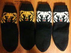 Teppanan neulomuksia: Karhu villasukat Knit Socks, Knitting Socks, Mittens, Fashion, Fingerless Mitts, Moda, Fashion Styles, Fingerless Mittens, Gloves