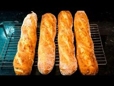 How to Shape Bread Dough - Shaping Round Loaves - Boules - Batards - French Bread Quick Bread Recipes, Pizza Recipes, Cooking Recipes, Bread Bun, Bread Rolls, Crusty Rolls, Brioche Bread, Sourdough Bread, Cottage Loaf