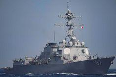 Múltiplos mísseis foram disparados no sábado contra três navios de guerra norte-americanos no Mar Vermelho, apesar de nenhum ter sido atingido e não haver vítimas, informou o exército dos EUA.