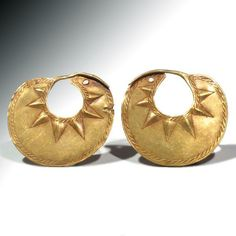 Ancient & Medieval History - Sumerian Gold Earrings, 2500-2200 BC #GoldJewelleryTraditional