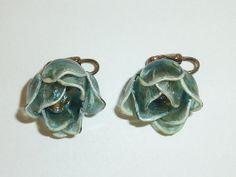 Vintage Blue Lucite and Rhinestone Flower by labaublesandbags, $14.00