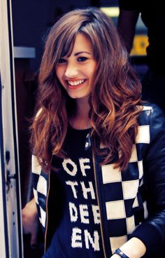 Demi Lovato beautiful, girl, lady, pretty, lovely, chic, chique, kawaii, cute, beauty, beautiful people, ulzzang