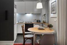 Фотографии интерьеров квартир и домов: Аккуратные небольшие кухни (6 фото)