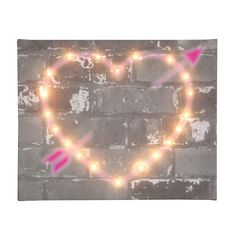 Light-up graffiti heart canvas | hardtofind.