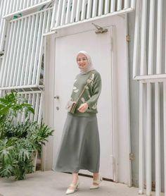 K Fashion, Muslim Fashion, Modest Fashion, Hijab Fashion, Korean Fashion, Fashion Outfits, Fashion Ideas, Fashion Inspiration, Hijab Jeans