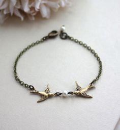 Two Love Birdies Bracelet. Two Kissing Love Birds with Pearl Bracelet. Rustic Wedding Gift Ideas | By Marolsha.