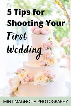 The first time shooting a wedding takes preparation and planning, so I have 5 must have tips for wedding photographers including wedding day camera gear, how to make the day go smoothly, and easy ways to be ready to get the perfect shot. Be ready for shooting a wedding for the first time with these tips and my wedding photographer checklist for must have shots. | Mint Magnolia Photography Education #firsttimeweddingphotographer #weddingphotographytips #weddingphotographertips Dslr Photography Tips, Photography Pricing, Wedding Photography Tips, Photography Tips For Beginners, Photography Website, Photography Business, Amazing Photography, Professional Wedding Photography, Camera Gear