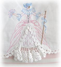 Embroidery...love these old pillow cases!,LINDO ESTE BORDADO COM CROCHE,PRA PANOS DE PRATOS