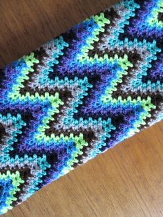 Love this pattern! Electric Ripple pattern by Kloss Gosa