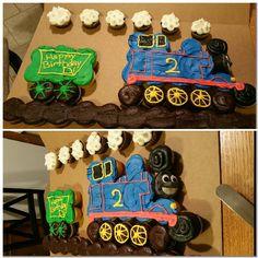Thomas the train pull apart cake