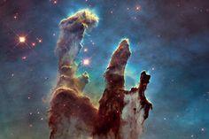 La nébuleuse de l'Aigle - Les plus belles images de l'univers prises par le télescope Hubble en 2015 - GEO. Clic 2x sur la photo .